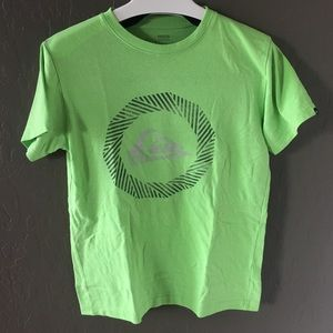 quicksilver t-shirt